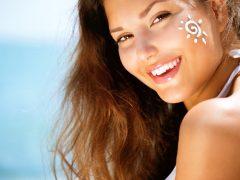 Mengaplikasikan Ulang Sunscreen