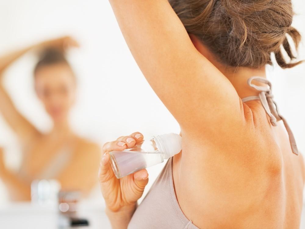 Perbedaan Deodoran dan Antiperspirant