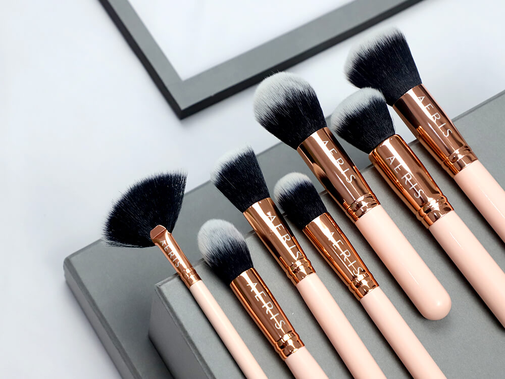 Aeris The Coral 15 Face & Eye Brush Set - Beauty Journal