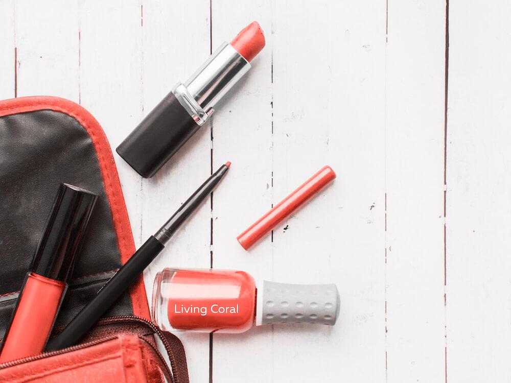 Lipstik dengan Nuansa Living Coral