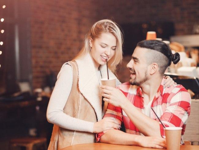 aturan mencari pasangan saat solo traveling