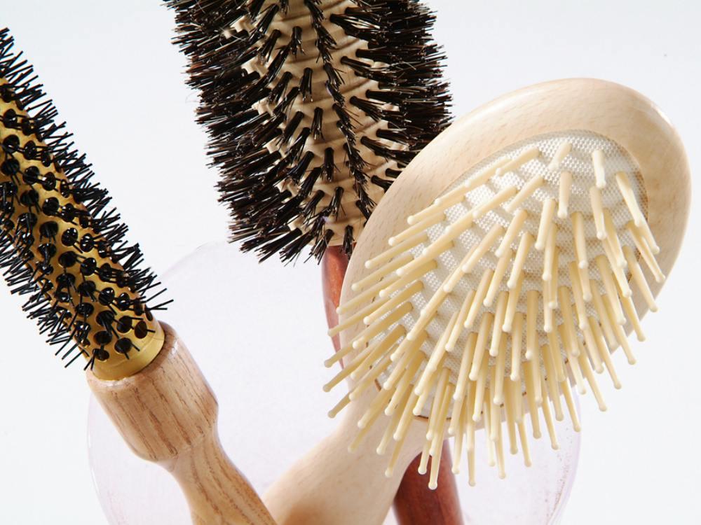 Atasi rambut statis