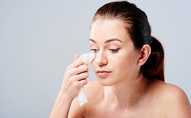 Kesalahan Membersihkan dan Mencuci Wajah