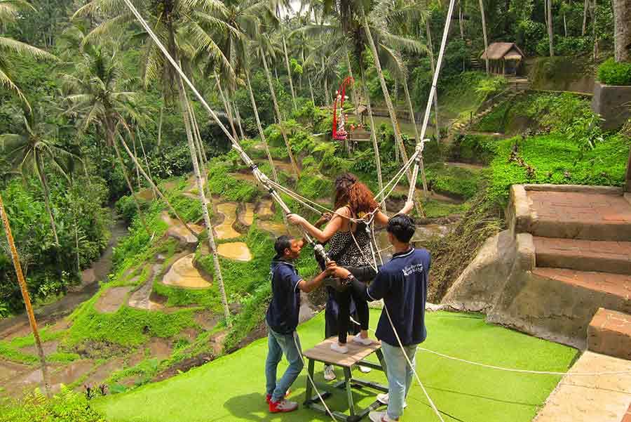 Wisata swing di Bali
