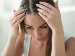 perbedaan ketombe dan kulit kepala kering