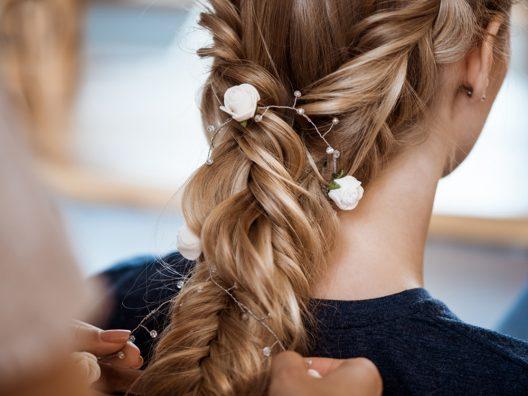 rambut tetap rapi selama pesta