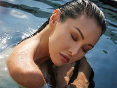 Menggunakan Makeup Waterproof