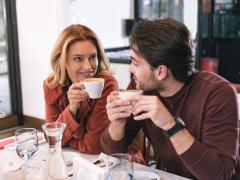 hal yang perlu diperhatikan sebelum berhubungan dengan pria yang lebih muda