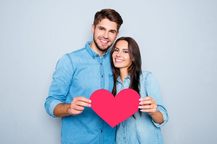 Apa yang Harus Dilakukan Jika Teman Pasangan Tidak Menyukai Anda
