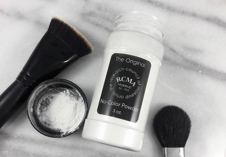 Perbedaan Setting Powder dan Finishing Powder