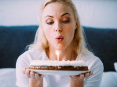 merayakan ulang tahun seorang diri