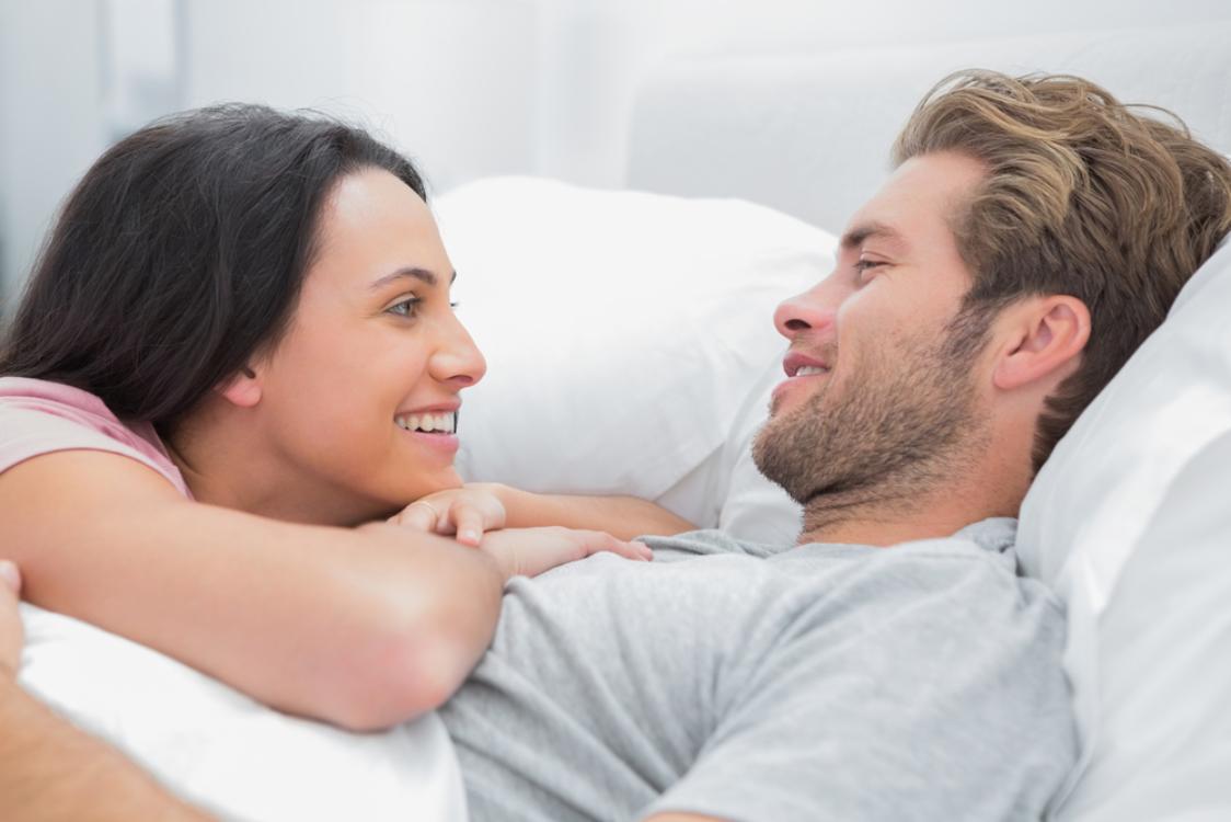 Manfaat pillow talk