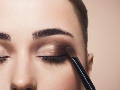 rias mata untuk wanita usia 40-an