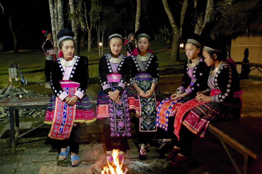 Treditional Hmong Show 01