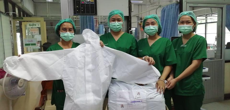 (Socialgiver ส่งมอบอุปกรณ์ป้องกันทางการแพทย์ให้แก่โรงพยาบาลพนมไพร จ.ร้อยเอ็ด ที่เข้าร่วมโครงการ Thailand Recovery Fund)