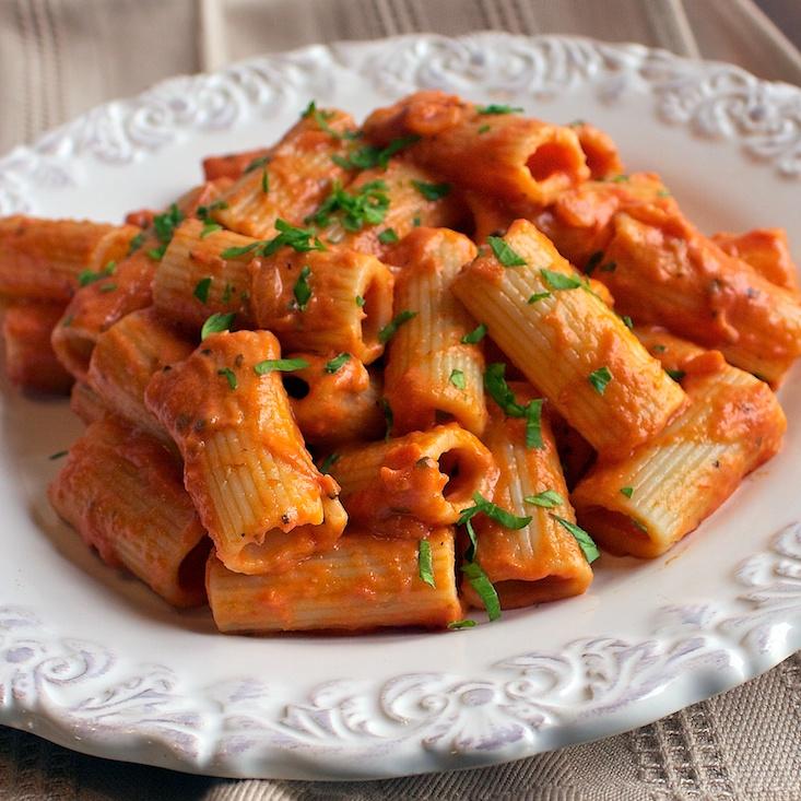 Easy Pasta With Tomato Sauce