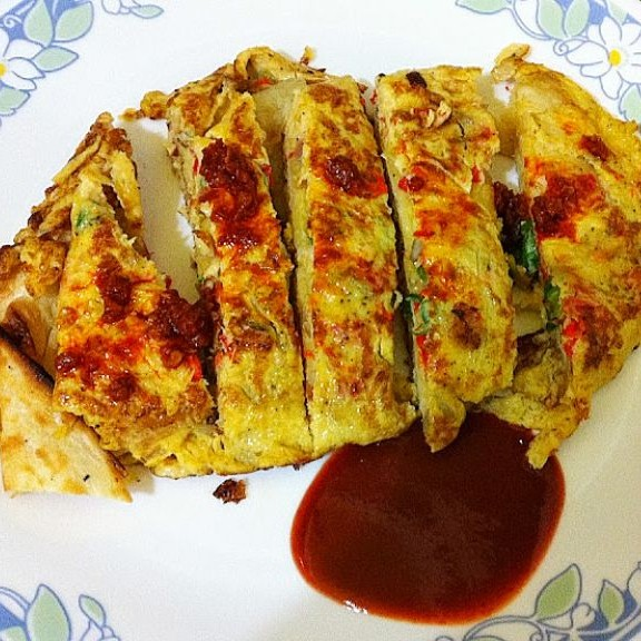 Naan-Omelette Wrap