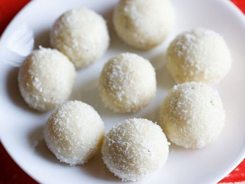 Coconut Mewa Ladoo / Coconut Dry Fruit Sweet