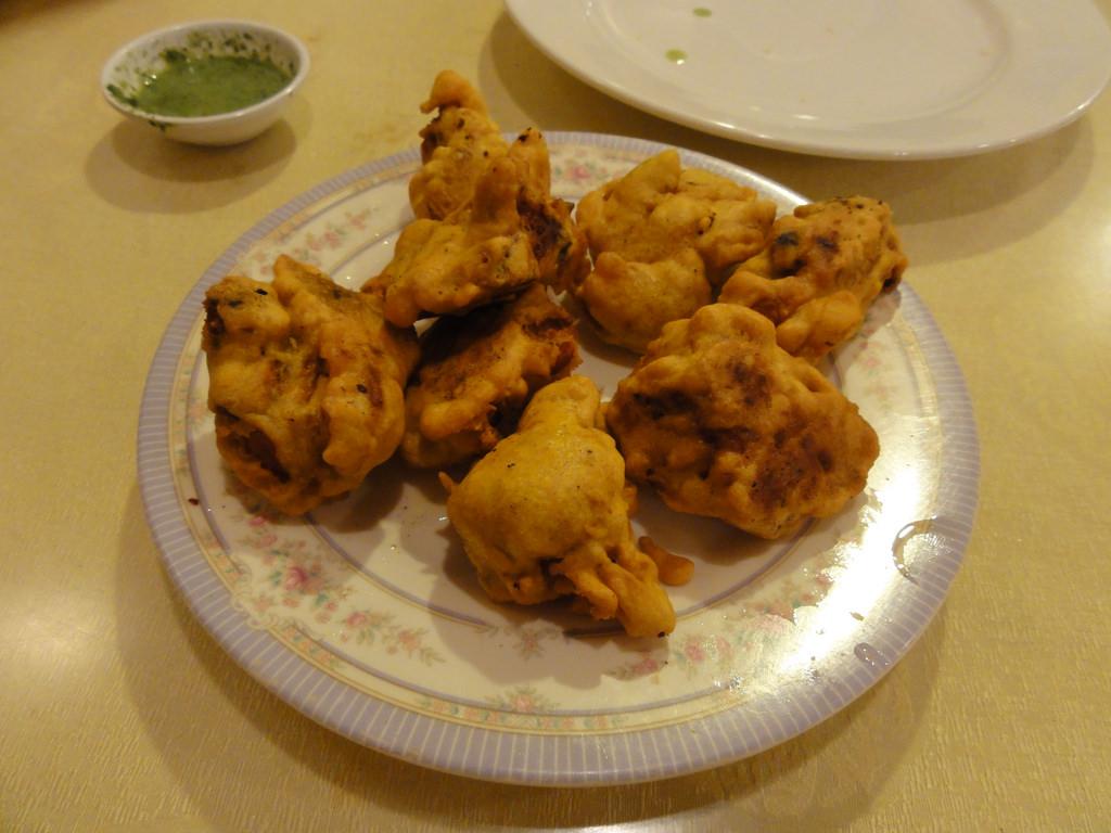 Chicken pakodas(Chicken fritters)