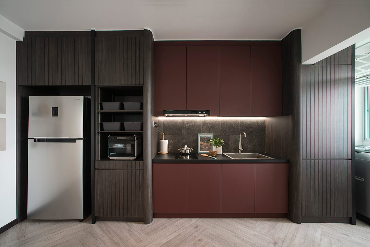 SquareRooms-EDL-red-dark-kitchen