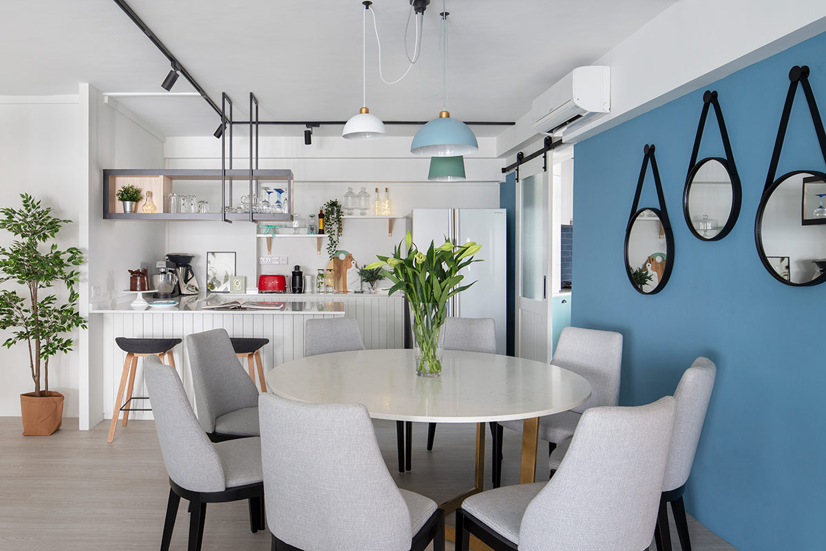 SquareRooms-DMarvel-Scale-Toh-Guan-HDB-blue-dining-mirrors