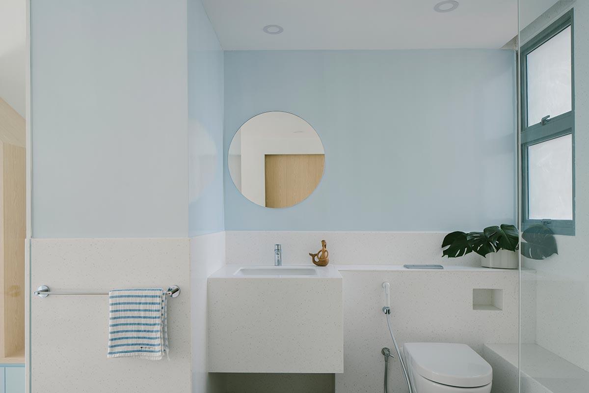 SquareRooms-Bathroom-blue-wall-pastel-monocot-studio