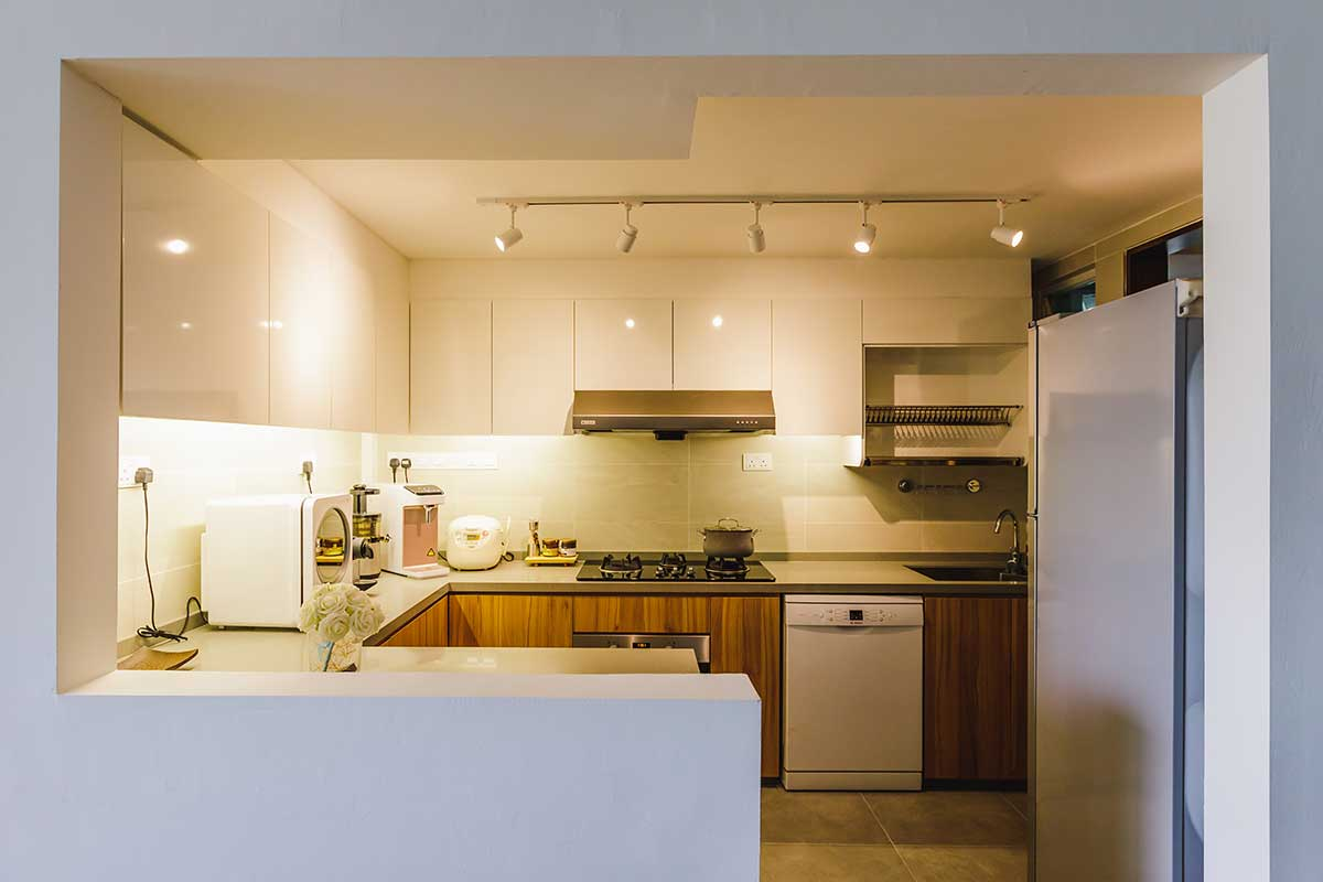 zlc-choa-chu-kang-loop-kitchen-dim-lighting-white-design-minimalist