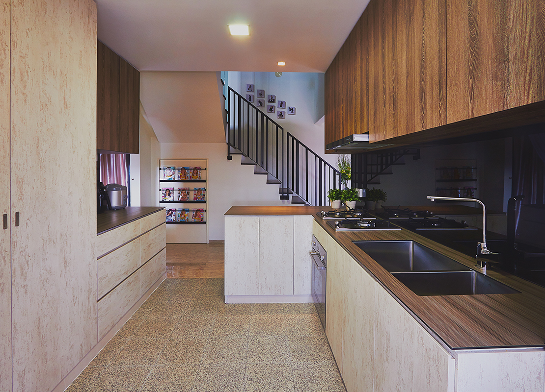 squarerooms-kompacplus-kitchen-wooden-light-staircase-sink