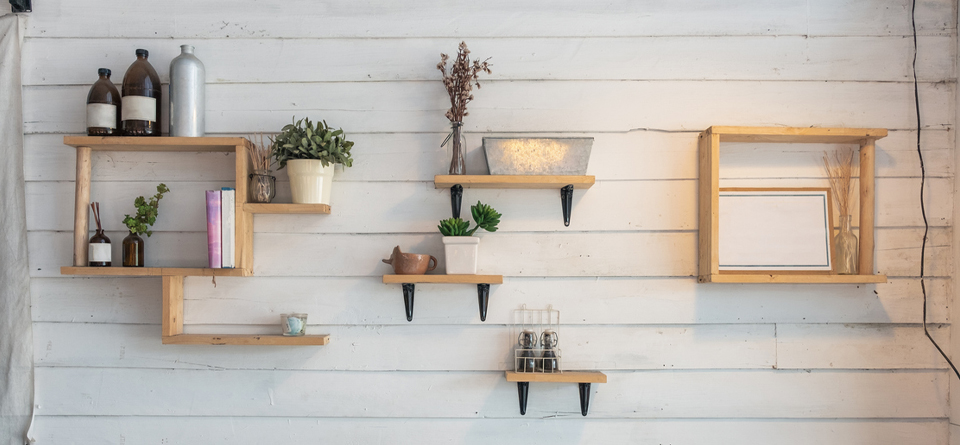 squarerooms-shelves-rack-wall-storage-aesthetic-diy-wooden-white-wall-boards