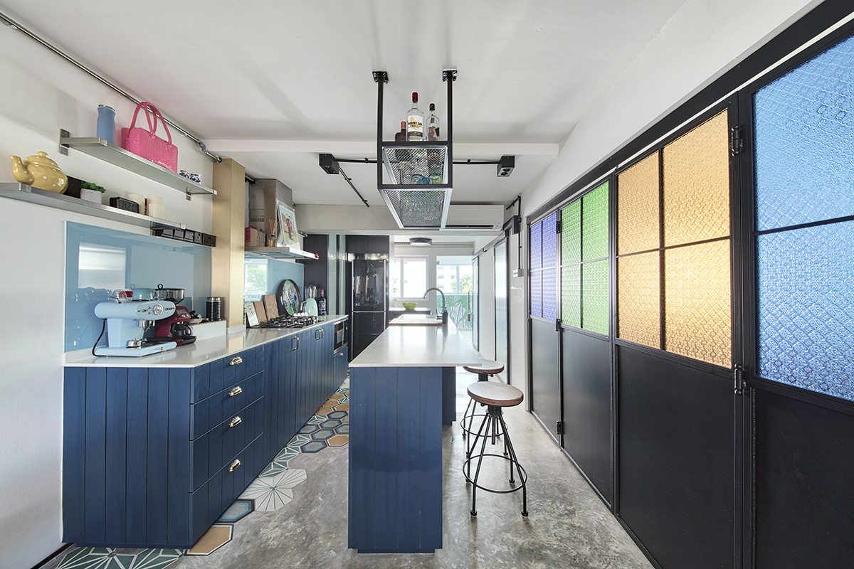 squarerooms-free-space-intent-kitchen-colourful-rainbow-bright-orange-blue-green-glass