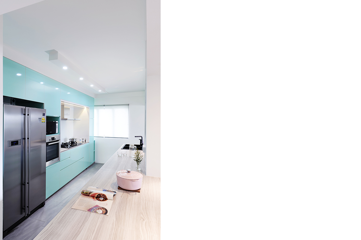 squarerooms-studio-fortyfour-kitchen-bright-neon-blue
