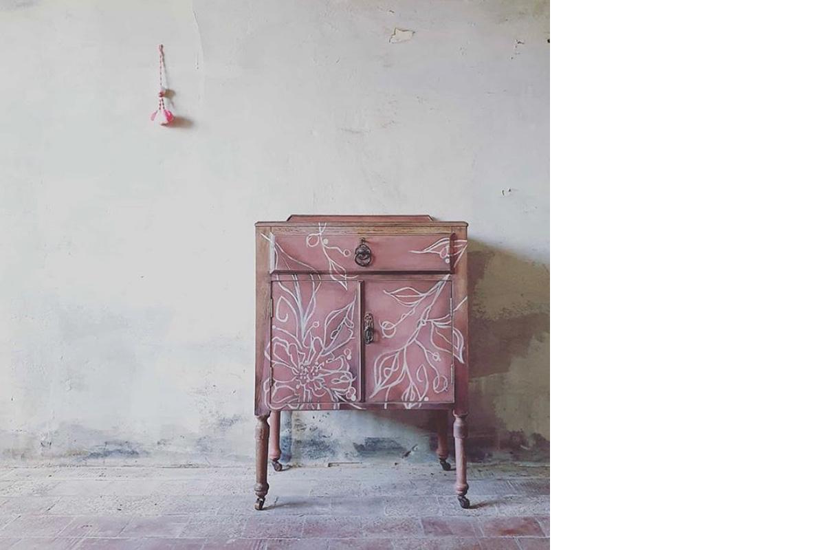 squarerooms-big-blue-trunk-workshops-painted-pink-cupboard-dresser
