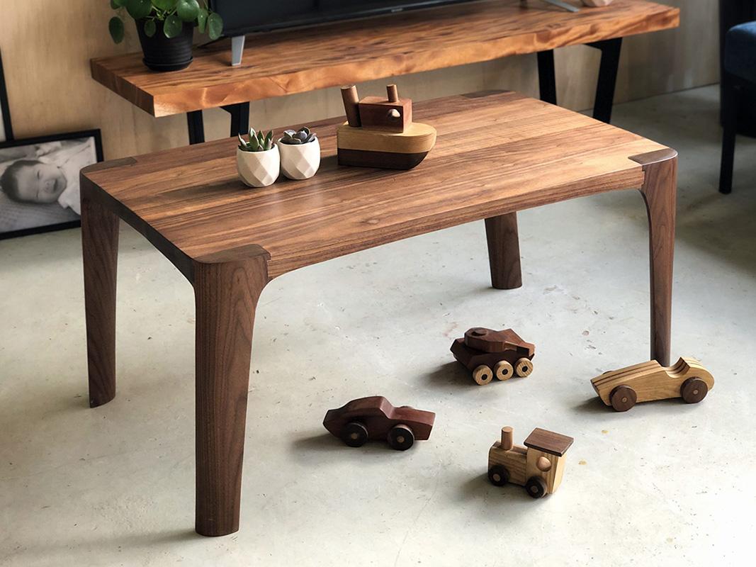 squarerooms-tombalek-workshops-handmade-wooden-table