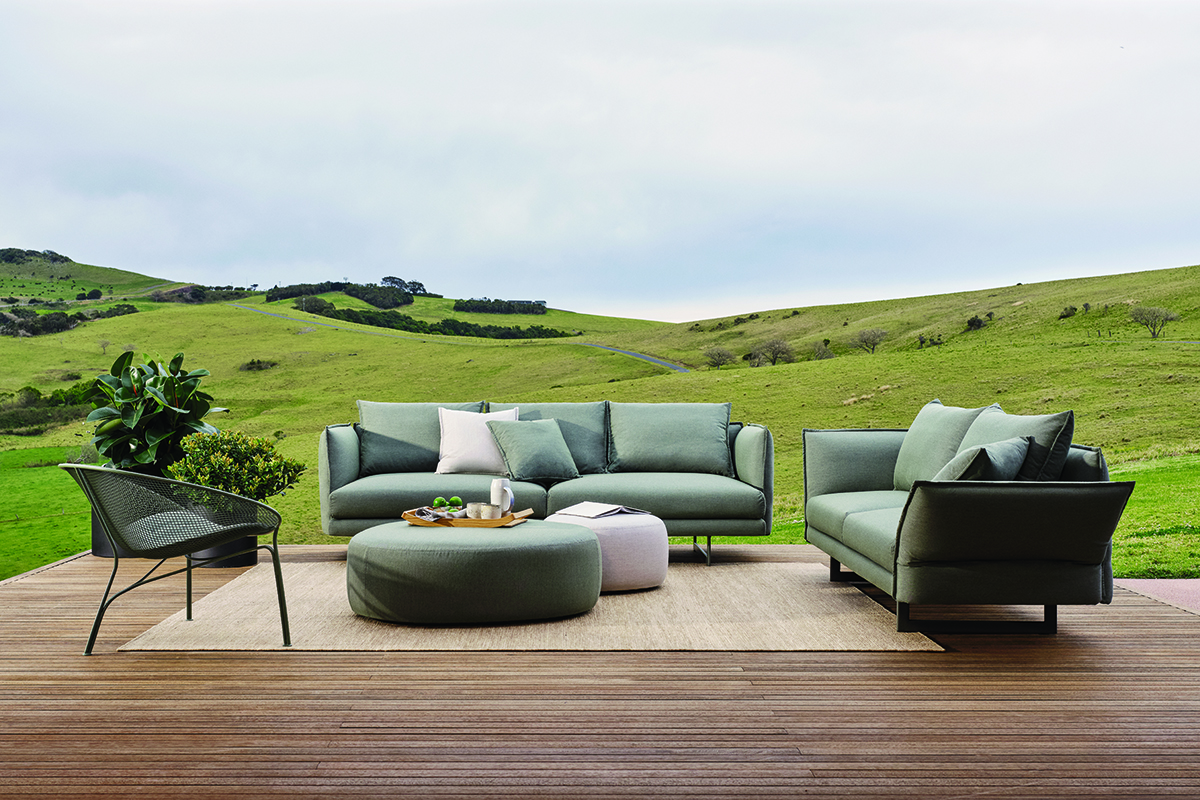 squarerooms-king-living-outdoors-furniture-sofa-couch
