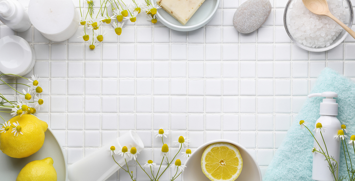 squarerooms-lemon-bathroom-clean-tiles-white-sparkling-shiny-flowers