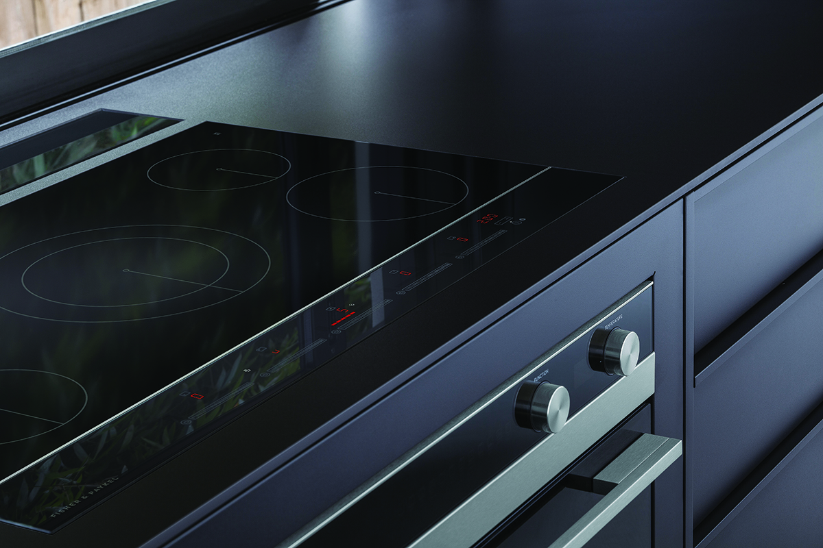 squarerooms-fisher-and-paykel-kitchen-dark-black-sleek-stovetop-hobs-modern