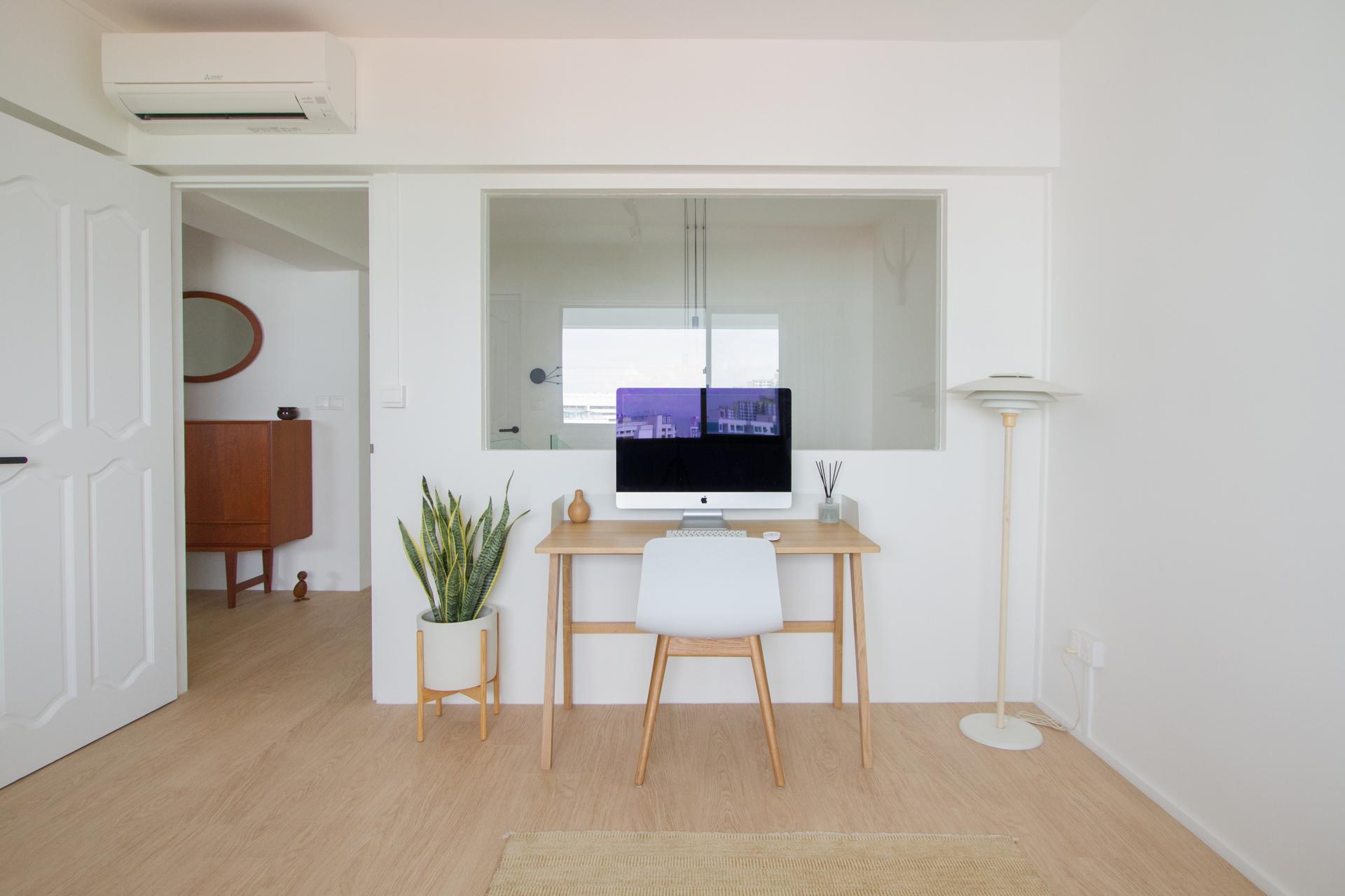 squarerooms-the-merry-men-interiors-office-white-minimalist-scandinavian-bright-plants-tidy-nice-goals-wood