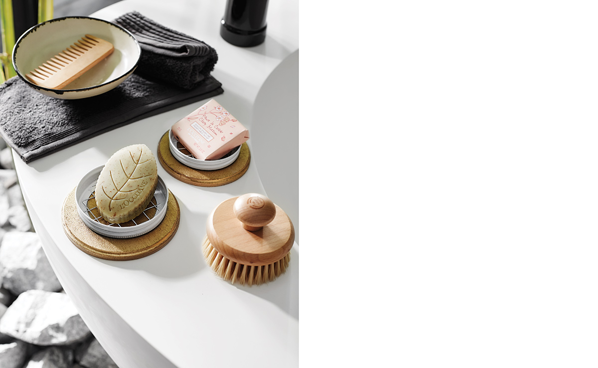 squarerooms-soap-dish-bathroom-counter-decor-display-flatlay-aesthetic-style