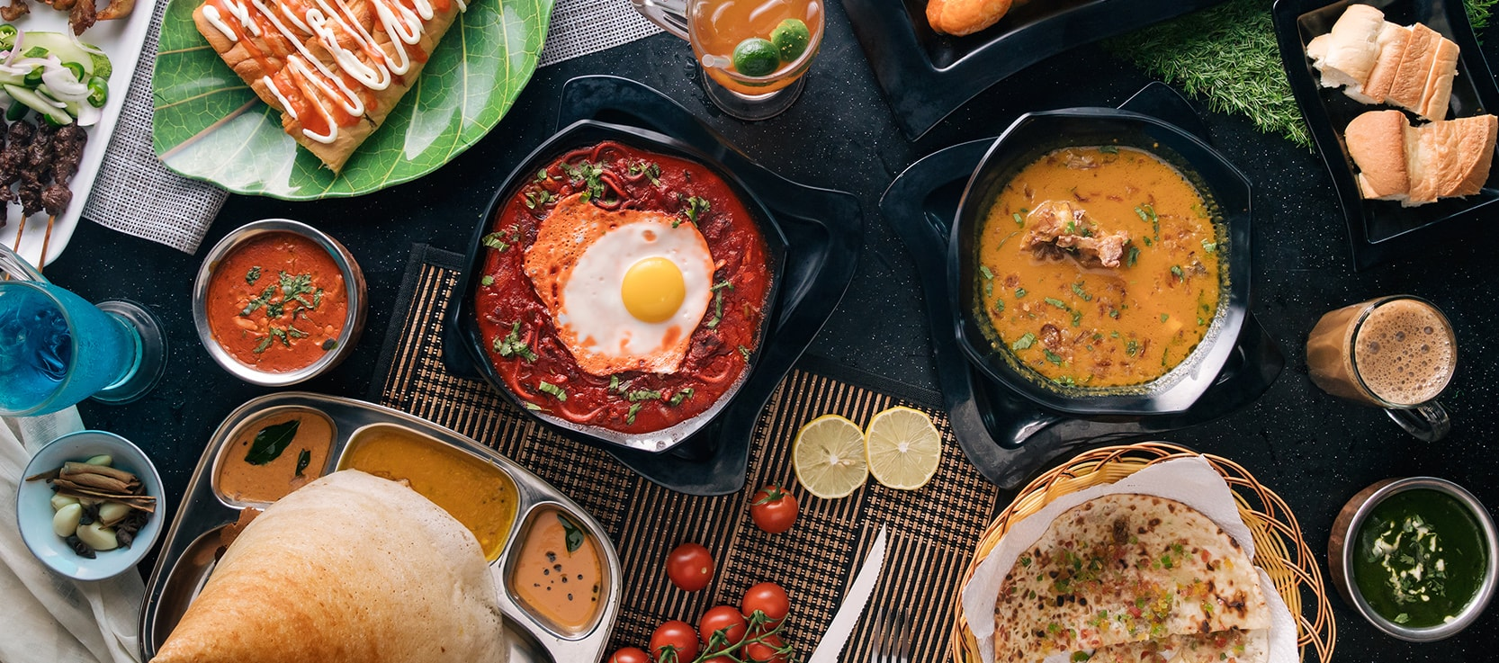 squarerooms-srisun-express-indian-food-flatlay-prata-egg-curry