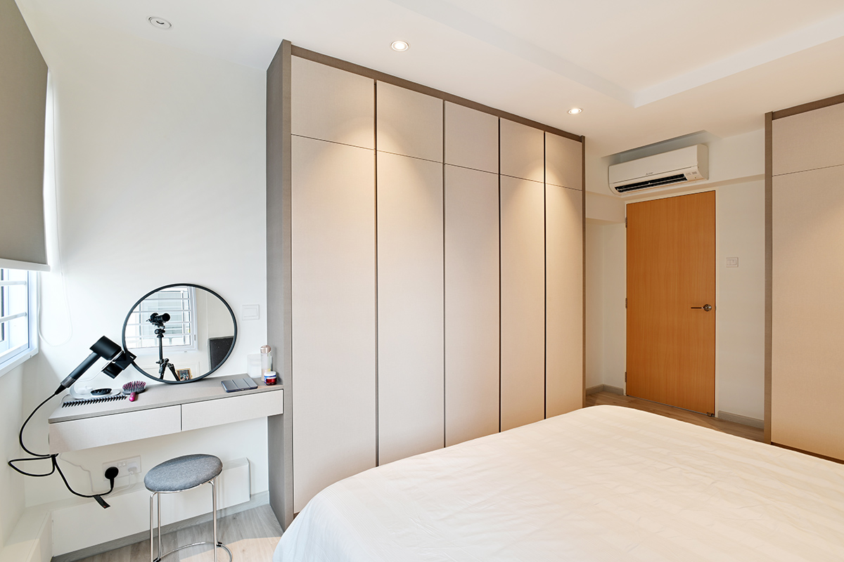 squarerooms-zlc-house-hdb-singapore-master-bedroom-cupboard-wardrobe-bed-desk-small