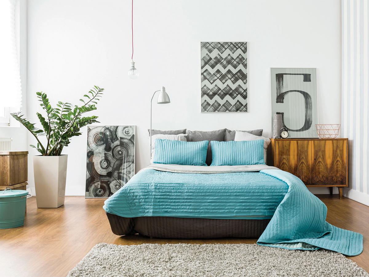 squarerooms-bedroom-blue-quilt-duvet-decor