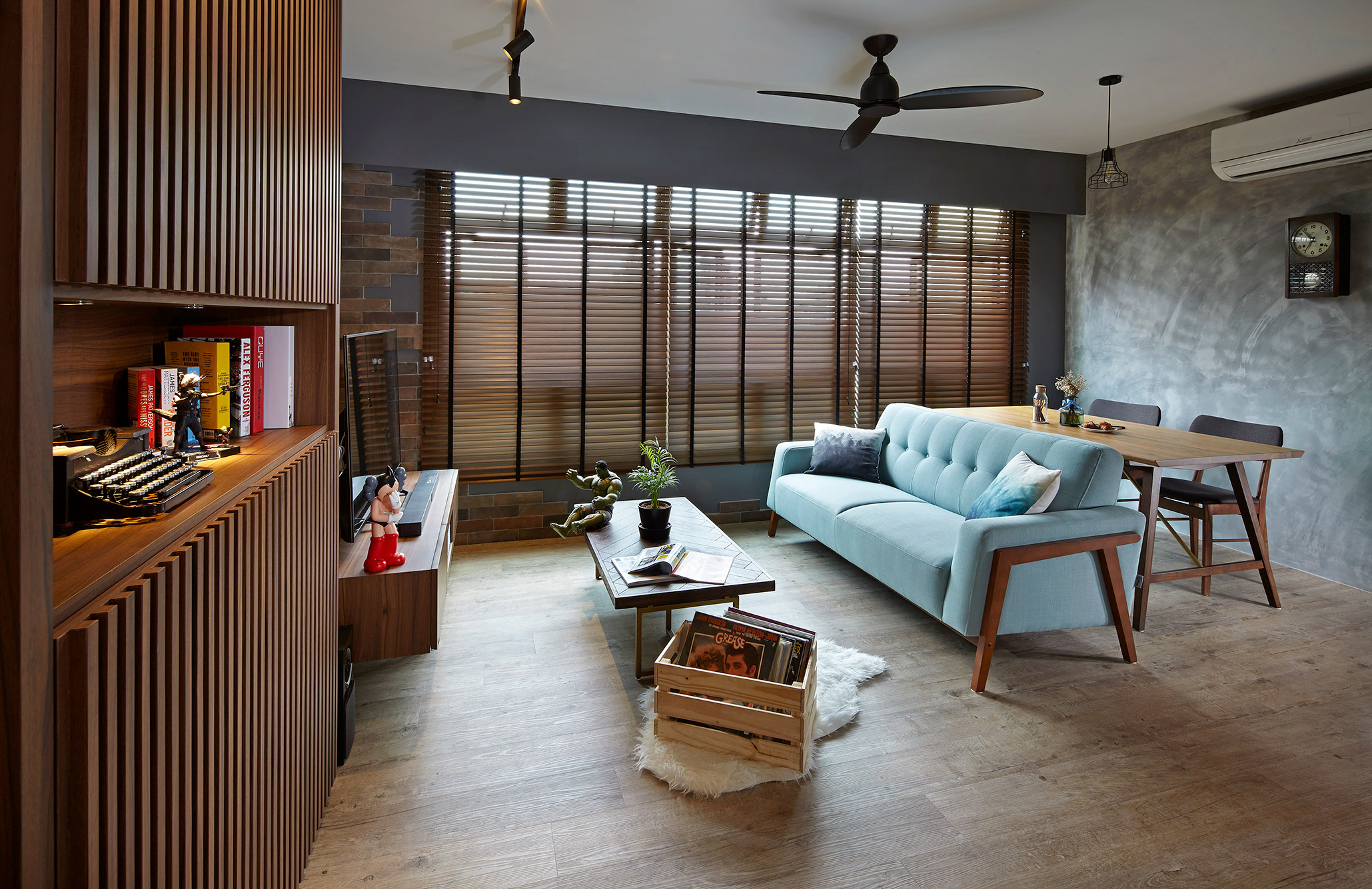 squarerooms-notion-of-w-singapore-interior-design-living-room-home-cosy-moody-wood-classy