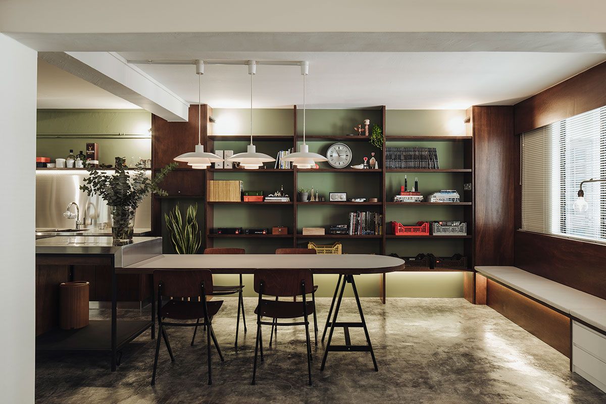 SquareRooms-Monocot-Studio-vintage-dining-room-dark-green-wall-moody