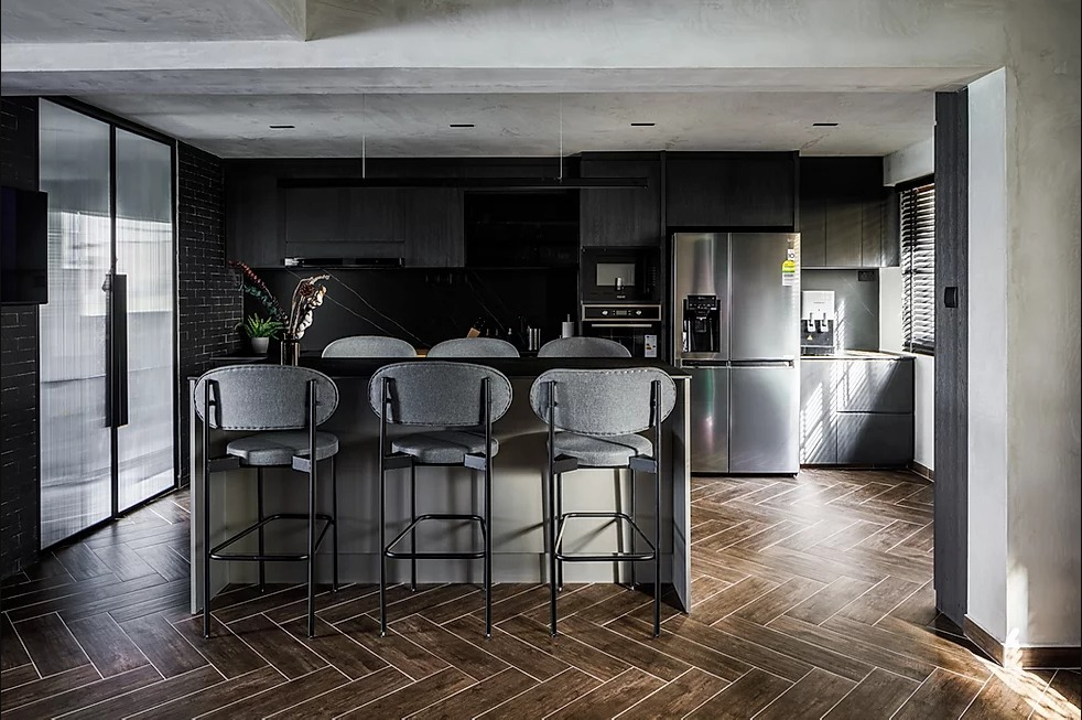 squarerooms-oblivion-lab-dining-room-bar-moody-contemporary-dark-edgy-grunge-home
