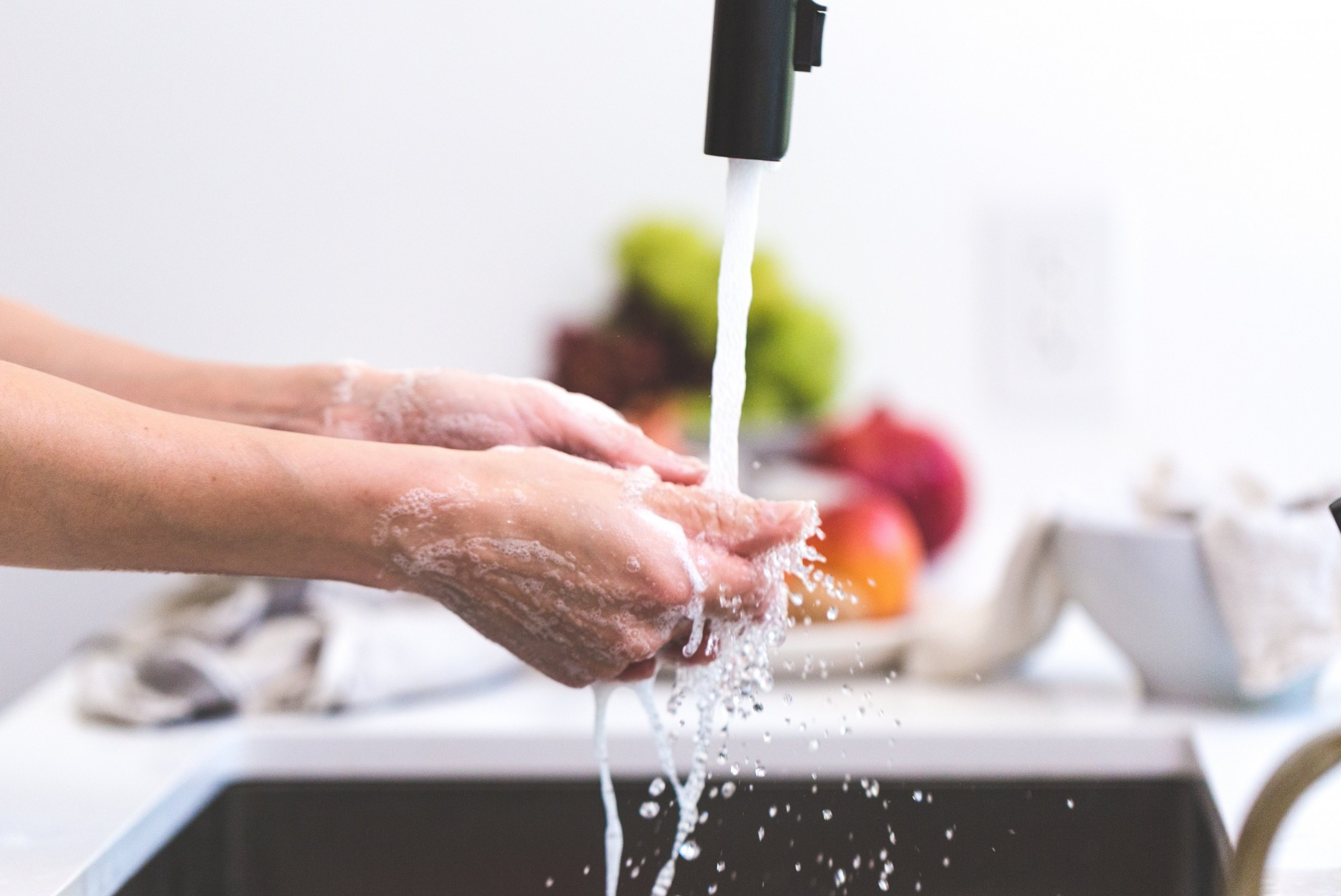 squarerooms-cooking-hands-handwashing-health-sink-kitchen-clean-water