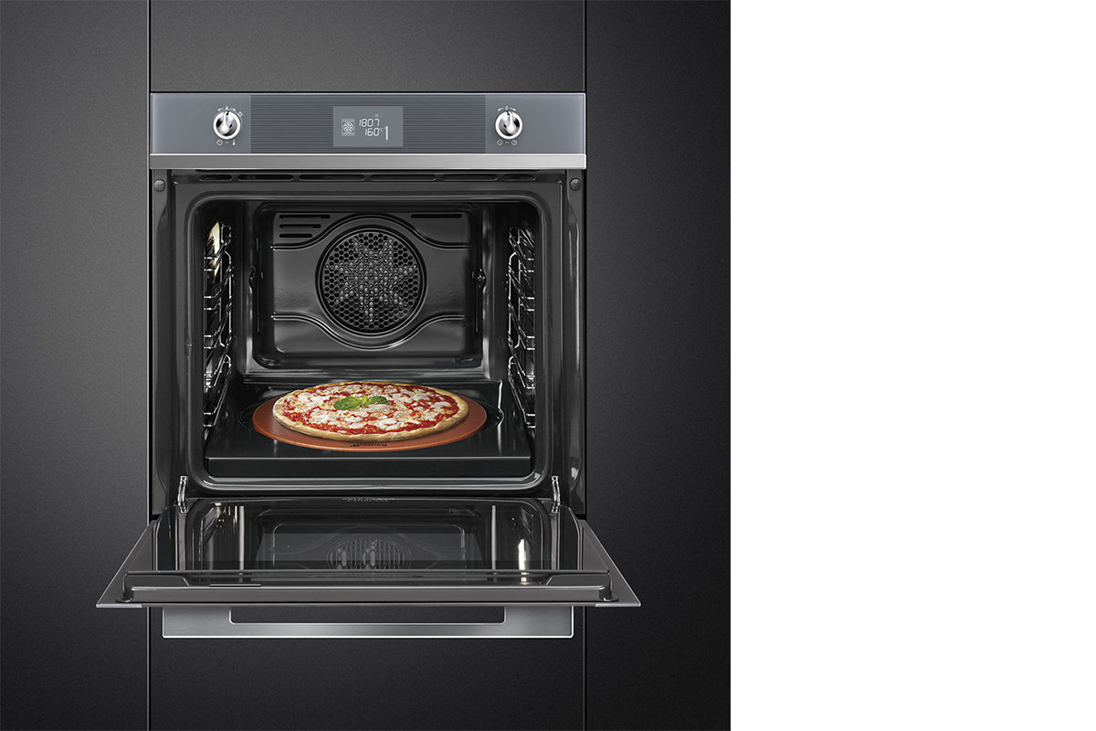 squarerooms-smeg-pizza-oven-open-kitchen-appliance-cooking