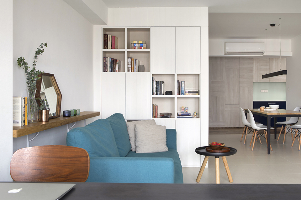 squarerooms-blue-couch-living-room-singapore-story-of-us-hdb
