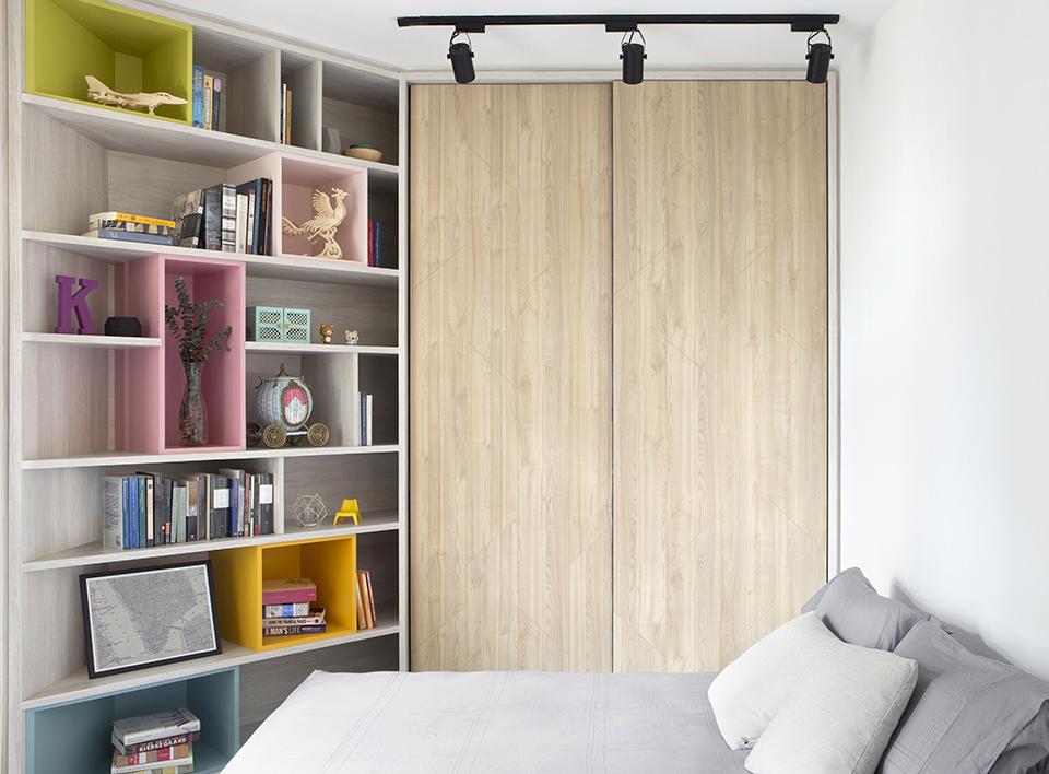 squarerooms-bedroom-singapore-wooden-cupboard-shelves