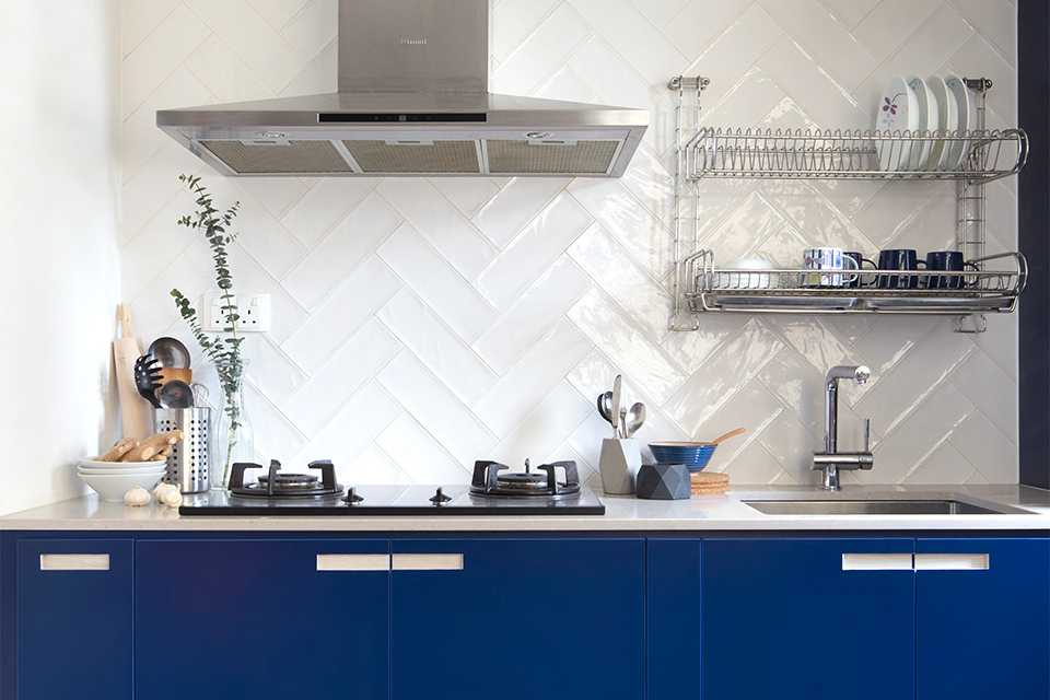 squarerooms-blue-kitchen-counter-cabinets