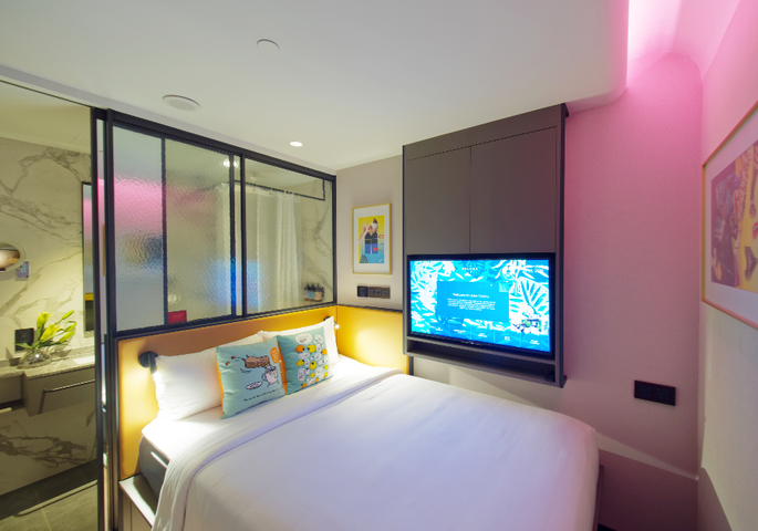 squarerooms-hotel-singapore-style-soloha-urban-neon-suite